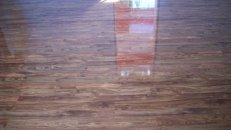 <p>Услуги по укладке ламината, паркетной доски в зале методом по диагонали в<strong>Луганске Алчевске Брянке Стаханове Первомайске Кировске</strong></p>